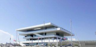 edificio de eventos en valencia junto al mar